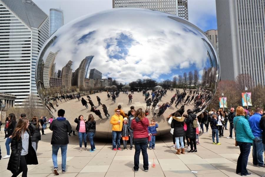 Cloud Gate downtown Chicago at Millennium Park