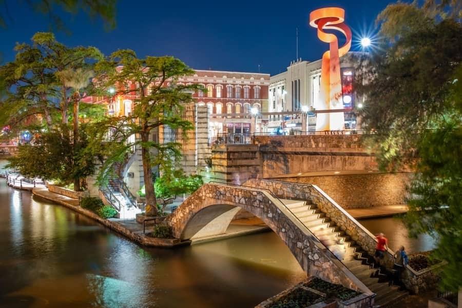River walk at night - San Antonio